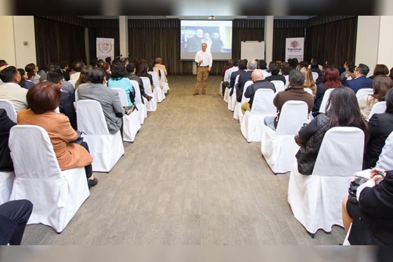 Conferencia abierta a la comunidad La Magia del Lenguaje Quito Ecuador